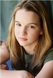 Kay Panabaker plays the daughter, Daphne Powell, in No Ordinary Family